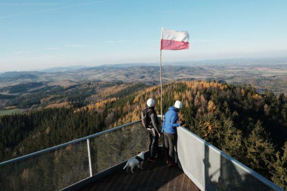 góry wałbrzyskie, flaga polski