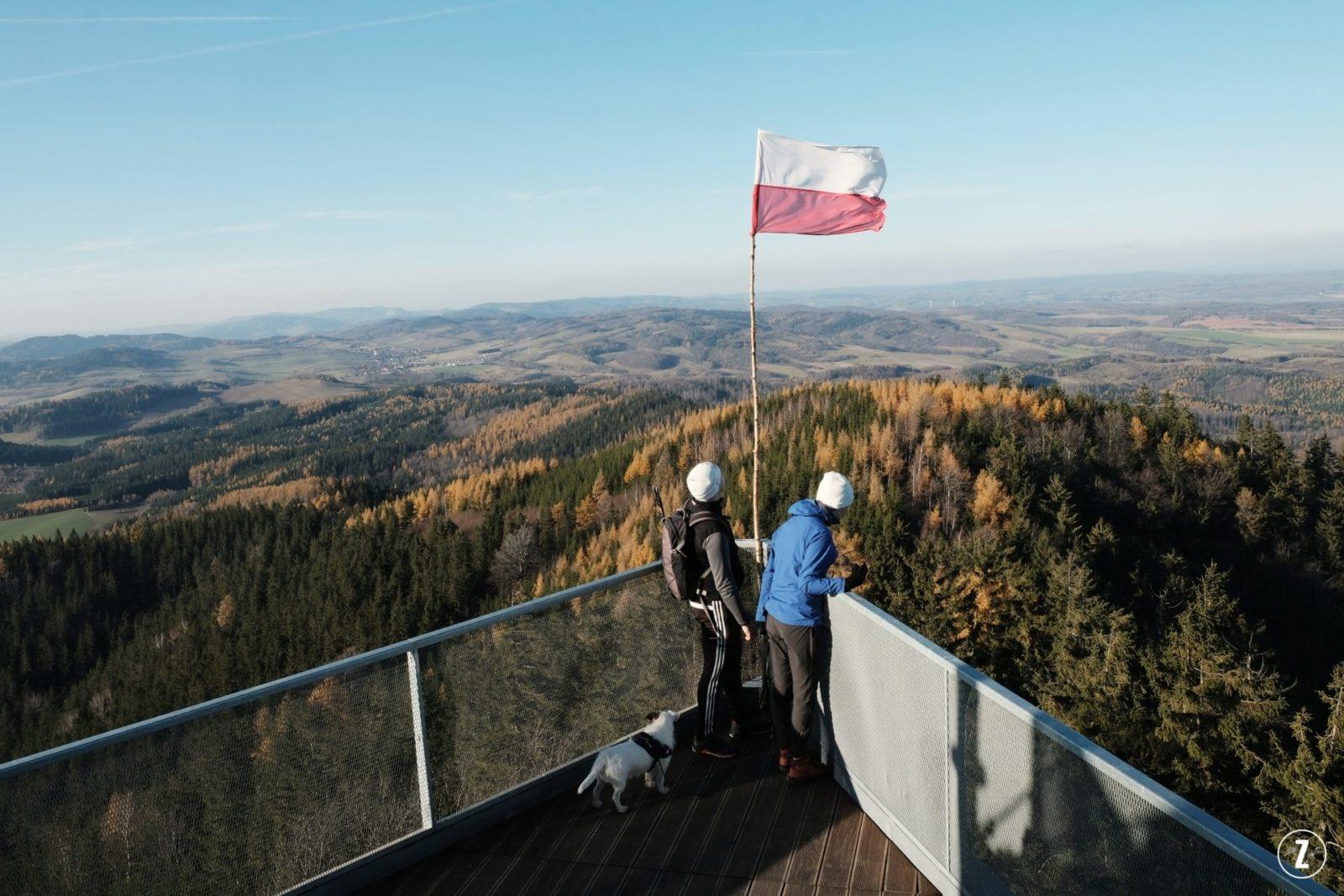 Boguszów-Gorce, Chełmiec, Dzień Niepodległości, góry, Góry Wałbrzyskie, listopad, szlak turystyczny, Trójgarb, Witków Śląski, flaga Polski, obywatel